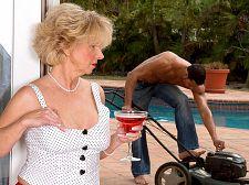 The gardener plows DeAnna's ass