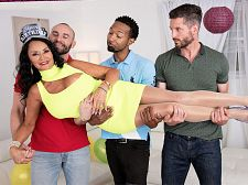 Rita Daniels' 1st air-tight scene: the video